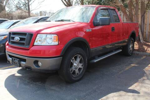 2006 Ford F-150 for sale at CHIPPERS LUXURY AUTO, INC in Shorewood IL