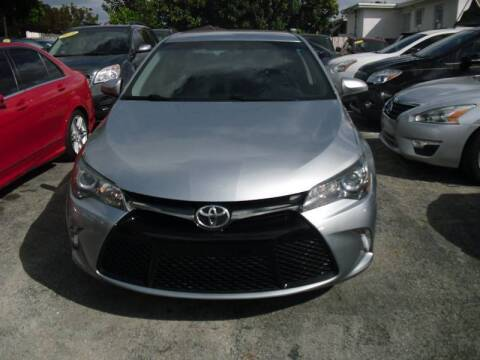 2016 Toyota Camry for sale at SUPERAUTO AUTO SALES INC in Hialeah FL