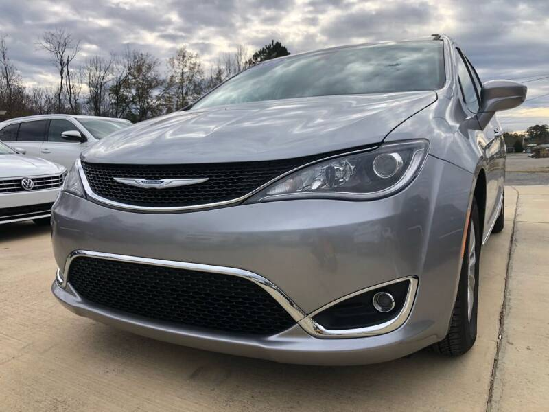 2019 Chrysler Pacifica for sale at A&C Auto Sales in Moody AL