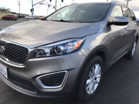 2018 Kia Sorento for sale at AutoDistributors Inc in Fulton CA
