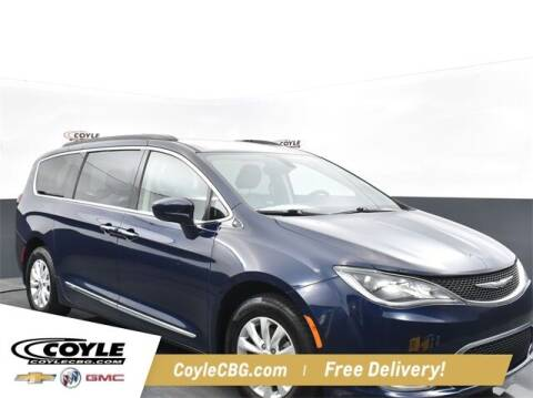 2017 Chrysler Pacifica for sale at COYLE GM - COYLE NISSAN - New Inventory in Clarksville IN