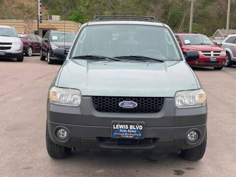 2005 Ford Escape for sale at Lewis Blvd Auto Sales in Sioux City IA