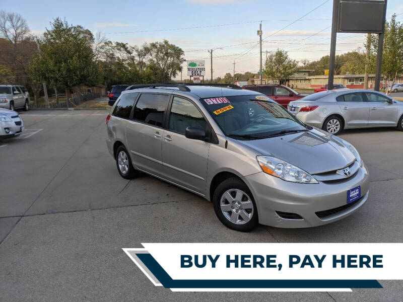 2009 Toyota Sienna for sale at AmericAuto in Des Moines IA