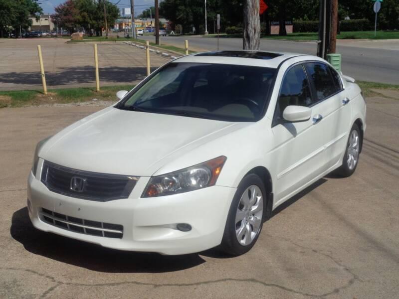 2008 Honda Accord for sale at Auto Starlight in Dallas TX