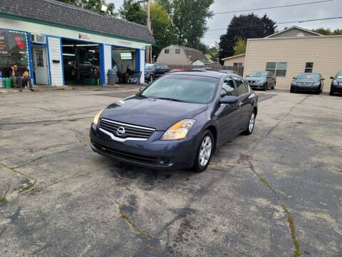 2009 Nissan Altima for sale at MOE MOTORS LLC in South Milwaukee WI