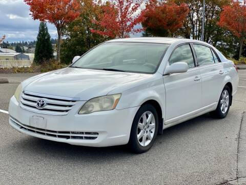 2005 Toyota Avalon for sale at Q Motors in Lakewood WA