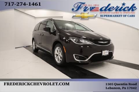 2017 Chrysler Pacifica for sale at Lancaster Pre-Owned in Lancaster PA