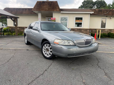 2006 Lincoln Town Car for sale at Hola Auto Sales Doraville in Doraville GA
