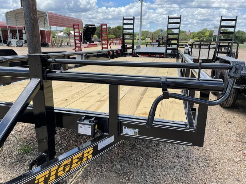"""2021 TIGER  - Equipment 83"""" X 20' -  for sale at LJD Sales in Lampasas TX"""