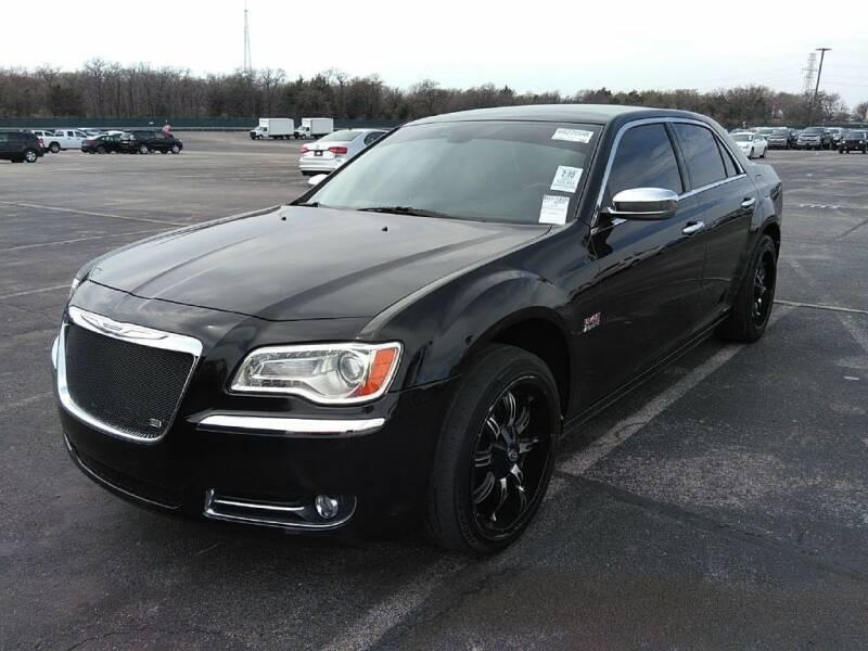 2011 Chrysler 300 for sale at HERMANOS SANCHEZ AUTO SALES LLC in Dallas TX