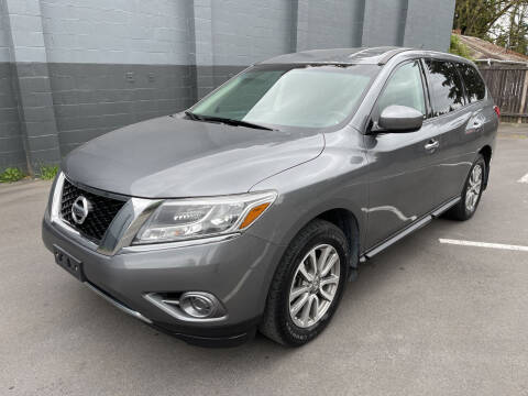 2015 Nissan Pathfinder for sale at APX Auto Brokers in Lynnwood WA