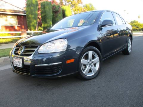 2009 Volkswagen Jetta for sale at Valley Coach Co Sales & Lsng in Van Nuys CA