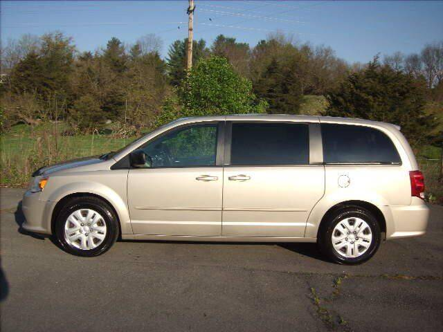 2013 Dodge Grand Caravan for sale at Broadway Motors LLC in Broadway VA