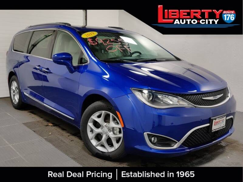 2019 Chrysler Pacifica for sale in Libertyville, IL