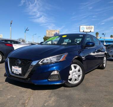 2020 Nissan Altima for sale at LUGO AUTO GROUP in Sacramento CA