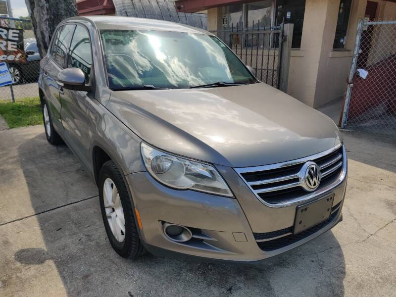 2011 Volkswagen Tiguan for sale at Advance Import in Tampa FL