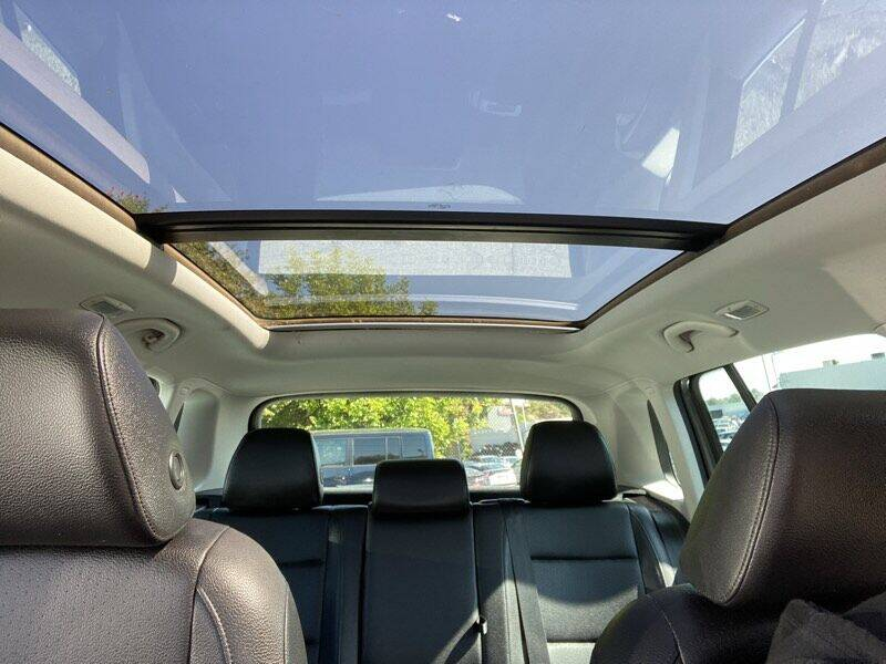 2012 Volkswagen Tiguan SE w/Sunroof & Nav - La Crescenta CA