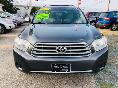 2008 Toyota Highlander for sale at Cape Cod Cars & Trucks in Hyannis MA