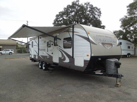 2016 Forest River WILDWOOD   T27TDSS for sale at Family Truck and Auto.com in Oakdale CA