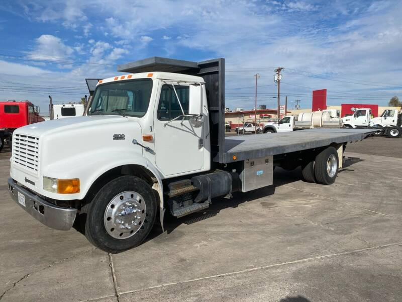 1999 International 4700 for sale at Ray and Bob's Truck & Trailer Sales LLC in Phoenix AZ