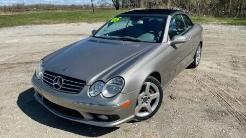 2005 Mercedes-Benz CLK for sale at ROUTE 6 AUTOMAX in Markham IL