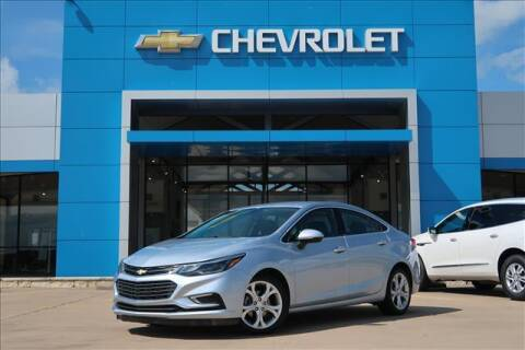 2017 Chevrolet Cruze for sale at Lipscomb Auto Center in Bowie TX