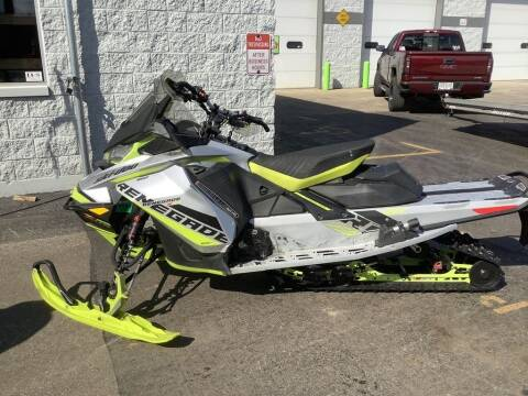 2018 Ski-Doo Renegade® X-RS® Rips