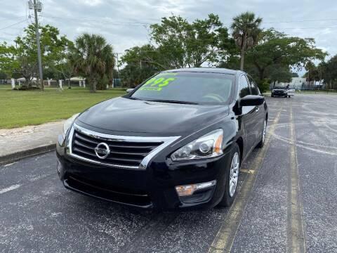 2015 Nissan Altima for sale at Lamberti Auto Collection in Plantation FL