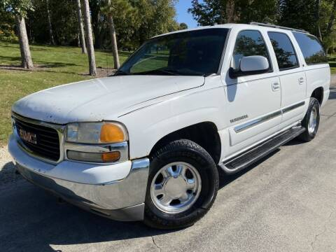 2003 GMC Yukon XL for sale at Bloomington Auto Sales in Bloomington IL