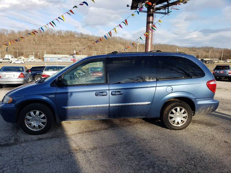 2007 Chrysler Town and Country for sale at BBC Motors INC in Fenton MO