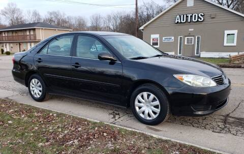 2005 Toyota Camry for sale at Riverfront Auto Sales in Middletown OH