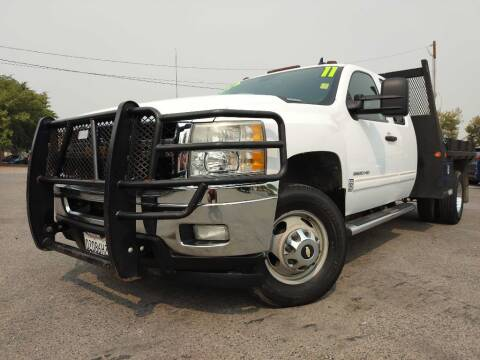 2011 Chevrolet Silverado 3500HD for sale at Auto Mercado in Clovis CA