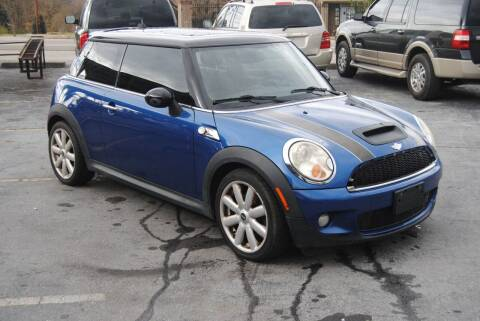 2007 MINI Cooper for sale at HODGE MOTORS in Bristol TN