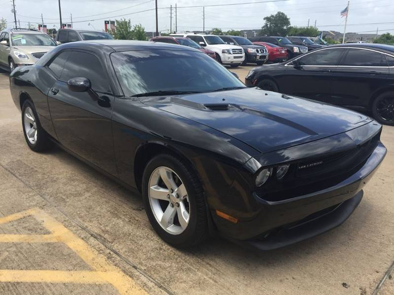 2013 Dodge Challenger for sale at Discount Auto Company in Houston TX
