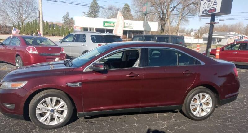 2011 Ford Taurus for sale at L&T Auto Sales in Three Rivers MI
