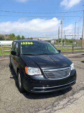 2016 Chrysler Town and Country for sale at Cool Breeze Auto in Breinigsville PA