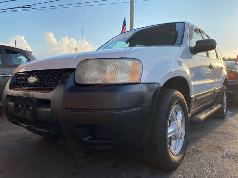 2004 Ford Escape for sale at LATINOS MOTOR OF ORLANDO in Orlando FL