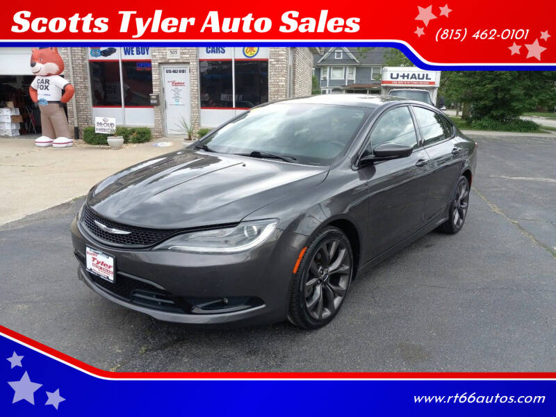 2015 Chrysler 200 for sale at Scotts Tyler Auto Sales in Wilmington IL